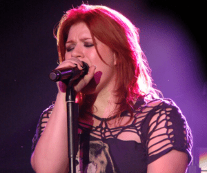 Kelly Clarkson By Vagueonthehow